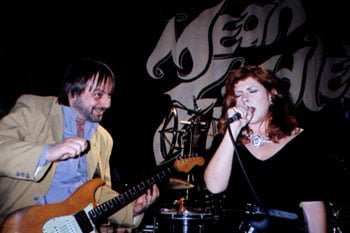 Kirsty with Elliot Randall at the Mean Fiddler in 1991 © Terry Hurley